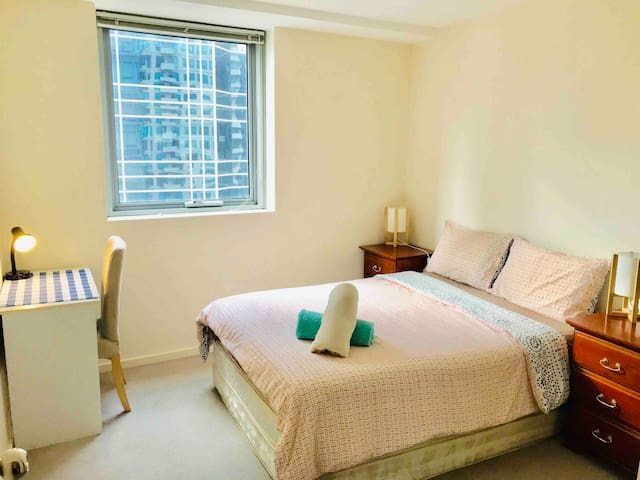 Eco-friendly bright comfy room* Free Tram Zone