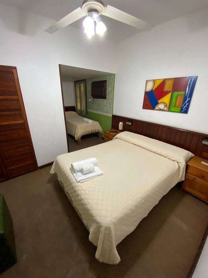 HOTEL CLARO DE LUNA