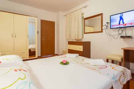 Apartment with sea view - Slavica 8 - Pomena - Apartment