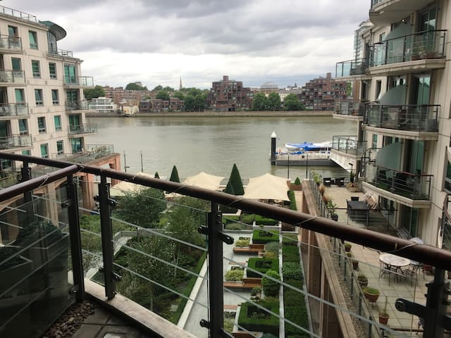 AMAZING VIEW room ENSUITE 2min to Vauxhall station