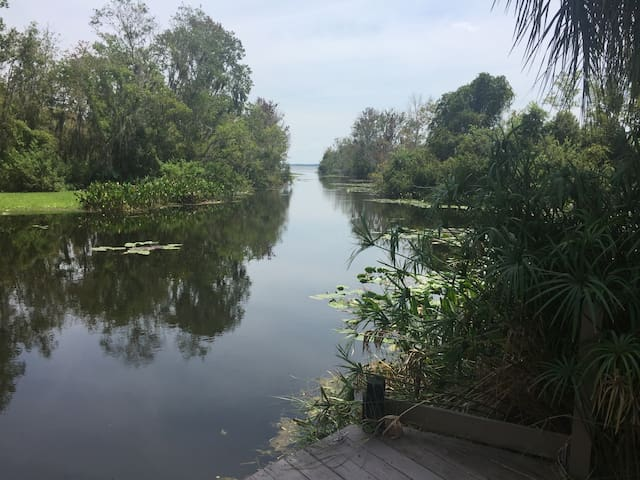Lake House for family events  near The Villages FL