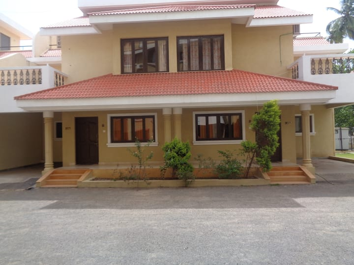 Stunning 3 BHK Villa ** BAGA ** ARPORA with POOL!