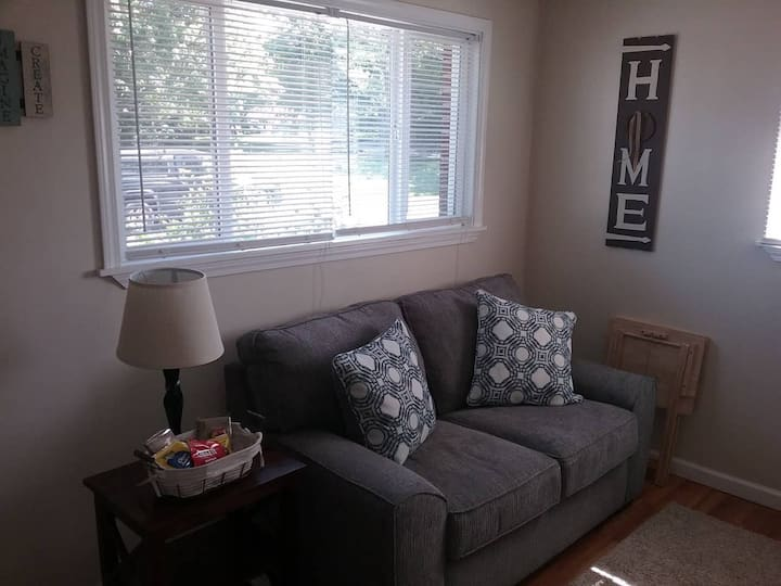Cozy 1 BR Efficiency Apt close to TTU and Downtown