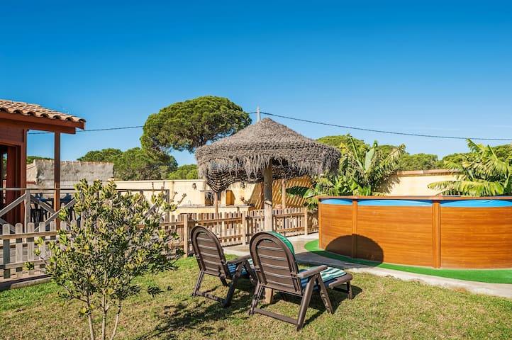 Cosy Wooden Cabin among Greenery - Casa Las Tres Hermanas