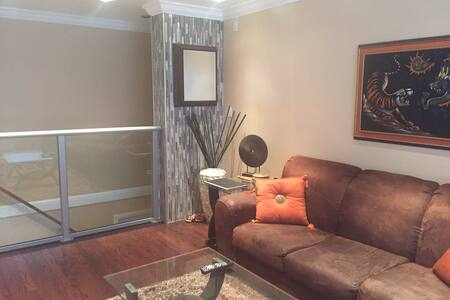 2BR/1BA home with street parking. - San Francisco