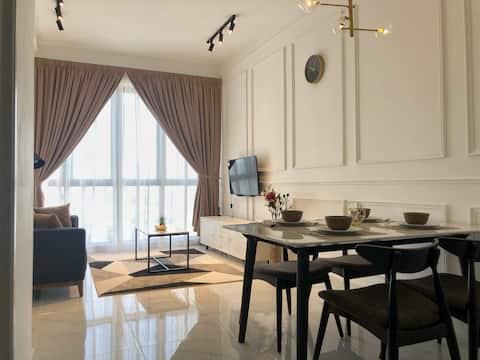 JC TROIKA 'Mirage' w/ City Skyline View (2 Rooms)