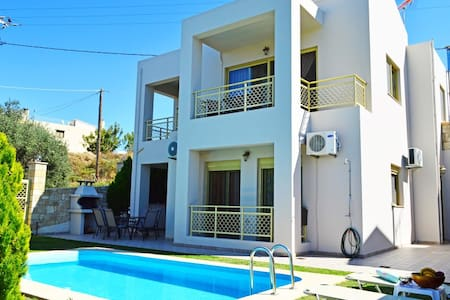 Villa Eleni pool&seaview 10% OFF FOR EARLY BOOKING - Tavronitis