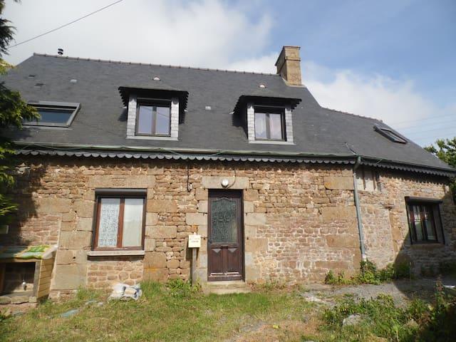 Maison T7 tout confort proche Mont Saint Michel