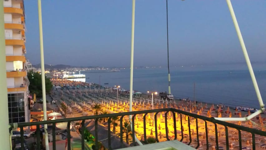 infront of the sea apartment with great view - Durrës - Apartamento
