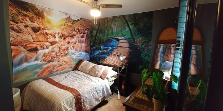 1st fl 2 room suite ~ 3 miles from SUNY SB