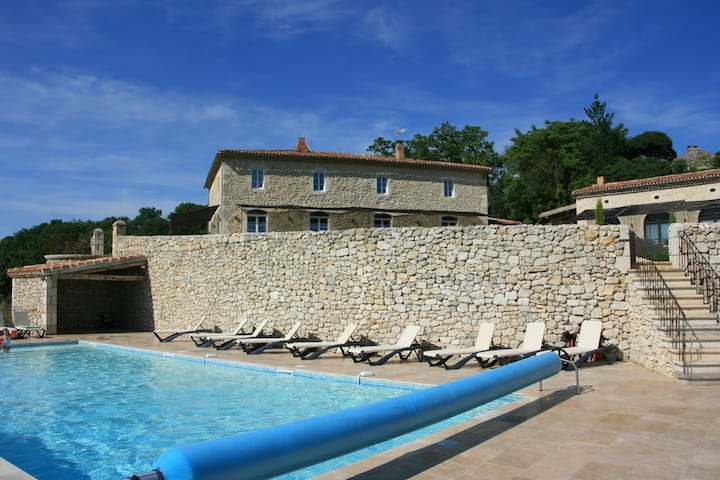gitesdebusquet maison gasconne - piscine chauffée