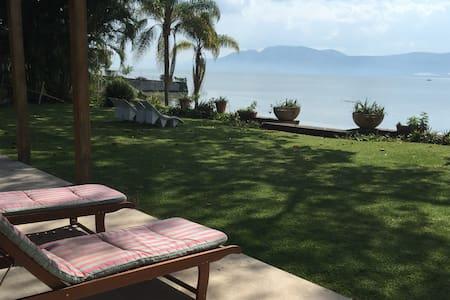 Casa en el lago de Chapala / ChapalaLakeside House - San Juan Cosalá - Hus