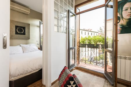Charming apartment in the heart of Lavapiés Square