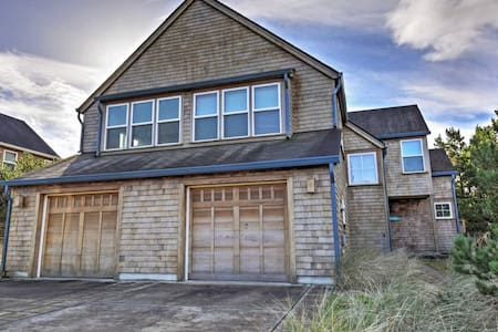 3BR Pacific City Townhome - Near the Beach! - 克羅弗戴爾(Cloverdale) - 連棟房屋