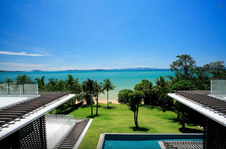 Luxury Villa: Private Beach, Pool & In-house Staff - Phuket - Villa