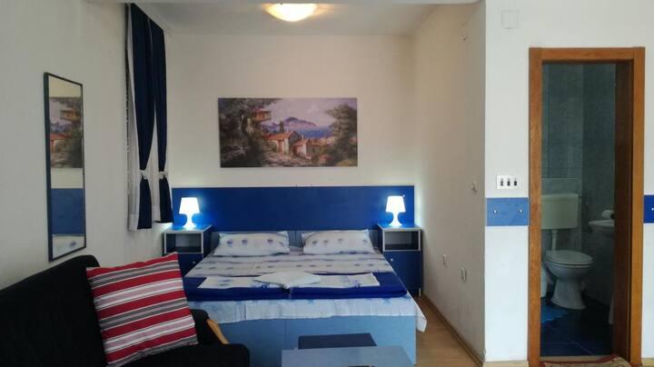 Blue Apartments ( Room 3)