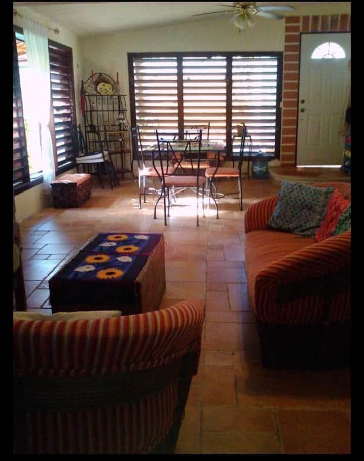 Downtown 2 bedroom Casa