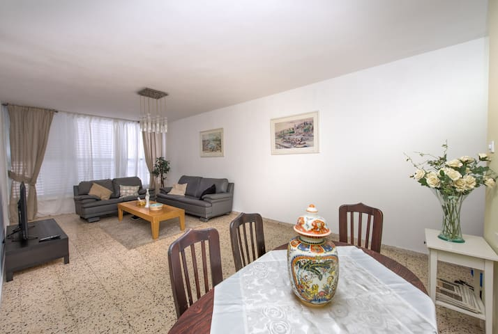Steps from the Beach - Large 3 Bedroom