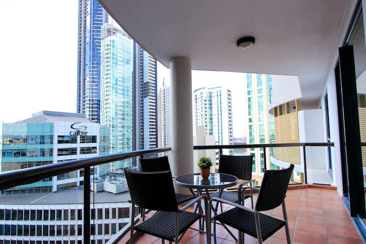Stunning Apartment in CBD with great view unit 7