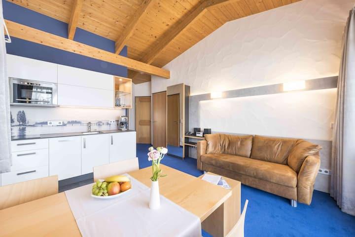 Appartement Hotel Seerose, (Immenstaad am Bodensee), Ferienwohnung Typ B, 45qm, 1 Schlafzimmer, max. 2 Personen
