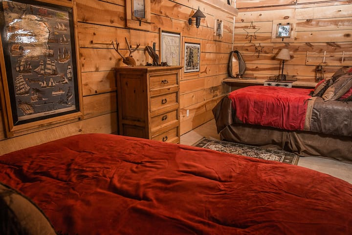 Pawnee Creek Room, Platte River Fort