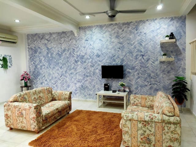 ANIS HOME2STAY 4AC+4BR @MITC Ayer Keroh-Muslim