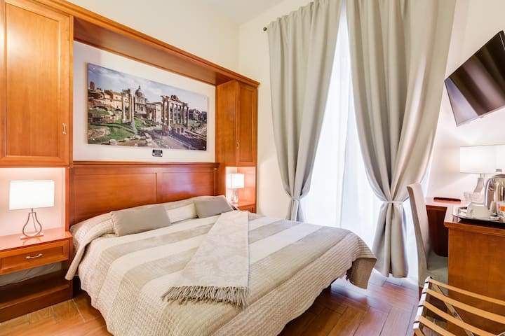 Double Room in the Centre of Rome