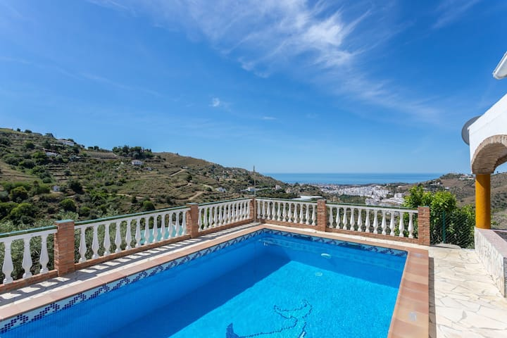 Villa Torrox Views, con Piscina privada y Terraza