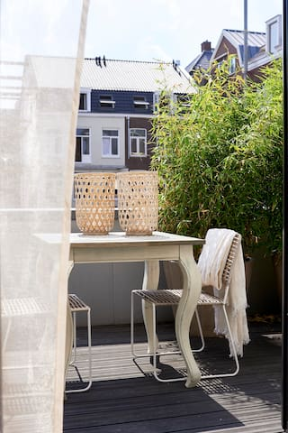 Beautiful Double Room in front of Vondelpark