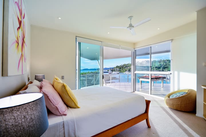 Pavillions Penthouse 25 - 4 BR Luxury Ocean View - Whitsundays - House