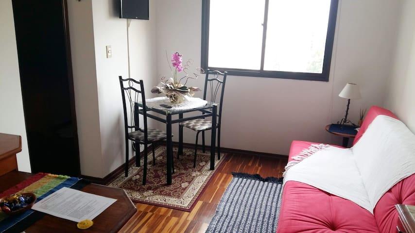 Apartamento aconchegante/perto tudo-Jd Esplanada
