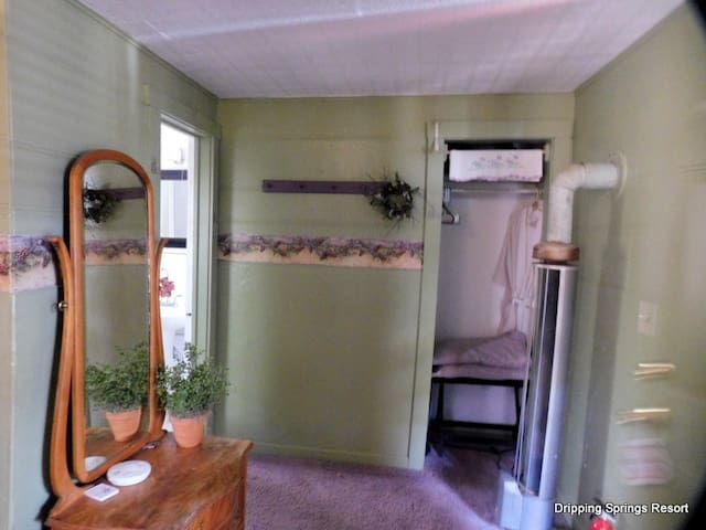 Moon Seeker BNB cottage room Dripping Springs