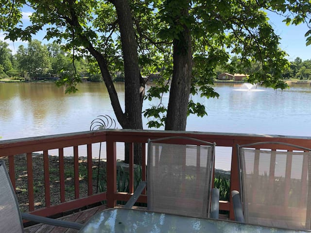 Abilene-Lake Cottage-2 Bedroom, On the Water!