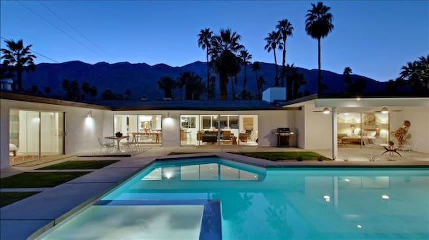 "Hollywood Glamour ""Gorgeous Classic California Ranch style showpiece"""