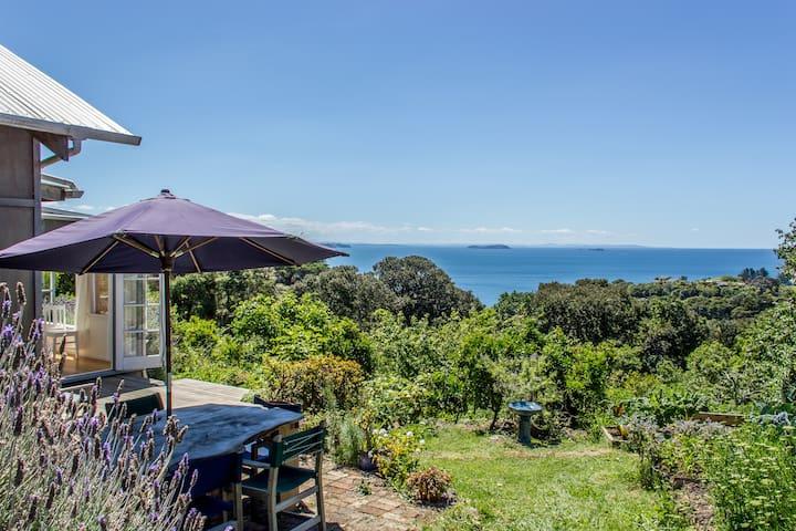 LIGHT ROOM ocean peace breakfast. A sunny home. - Auckland - Bed & Breakfast