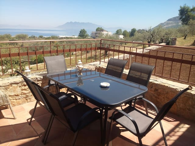 """Sunrise"",seaside family maisonette - Palaia Epidavros - Ev"