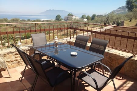 """Sunrise"",seaside family maisonette - Palaia Epidavros - Haus"