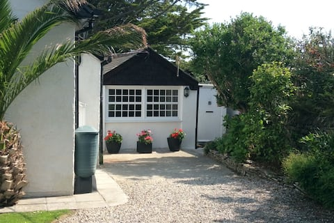 Garden Coombe, Tintagel  - Cosy Retreat for two