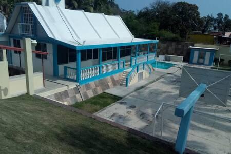 Casa de Playa en Villa Rica, Ver.