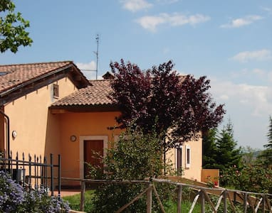 Una casa tra città e campagna - Todi - Townhouse