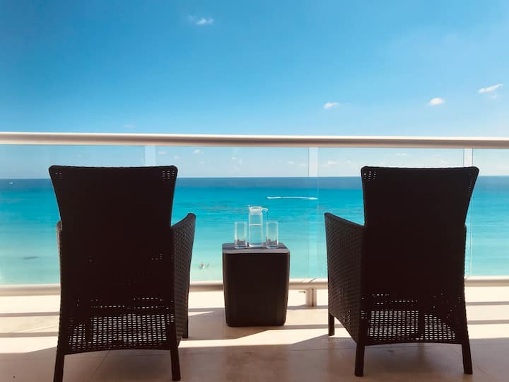 Loft vista al mar caribe y playa / Beach front 4F