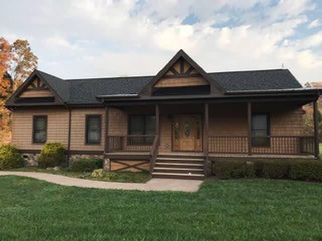 Cascade house - Pembroke - House