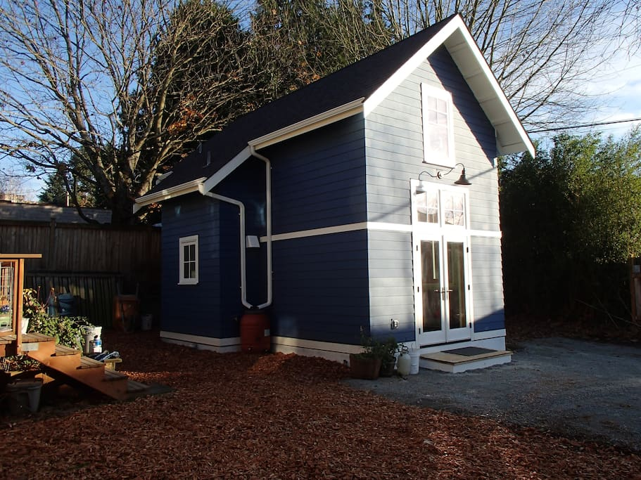 Another exterior view of the cottage (before the fencing was up)