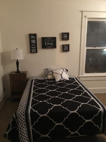Large fully furnished studio downtown St Pete!!