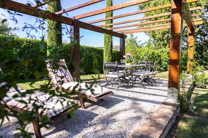 Ca Le Cerque, villa surrounded by marche's nature.