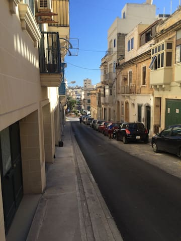 1 Min To Seafront 1 Bedroom House - Il-Gżira - Rumah
