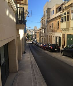 1 Min To Seafront 1 Bedroom House - Il-Gżira