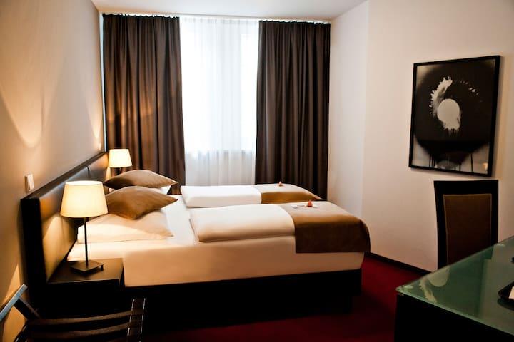 Doppelzimmer im Herzen von Frankfurt