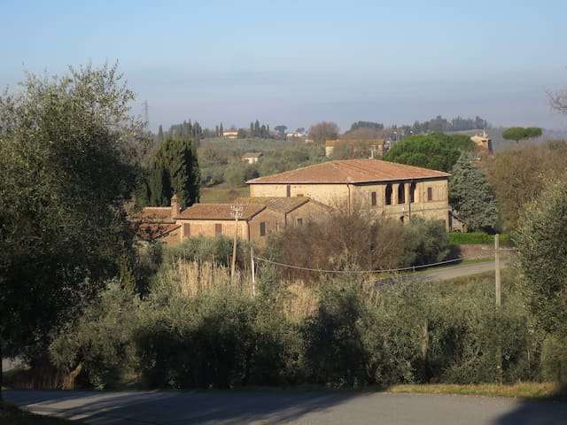 Converted farmhouse with views over the Chianti - San Miniato - อพาร์ทเมนท์
