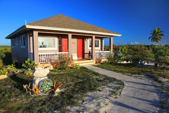 Rollezz Villas Beach: Queen Villa 3